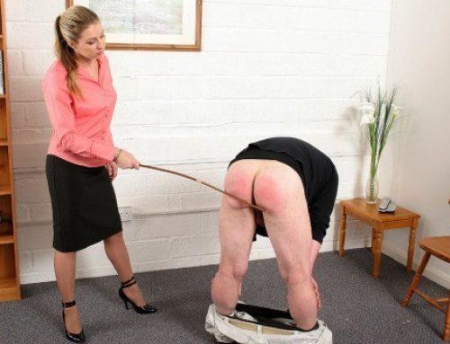 hot-spanking-emely:Spanking sites and more spanking