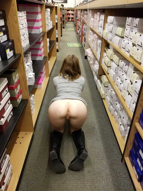 Girl getting pussy fucked in walmart — photo 9